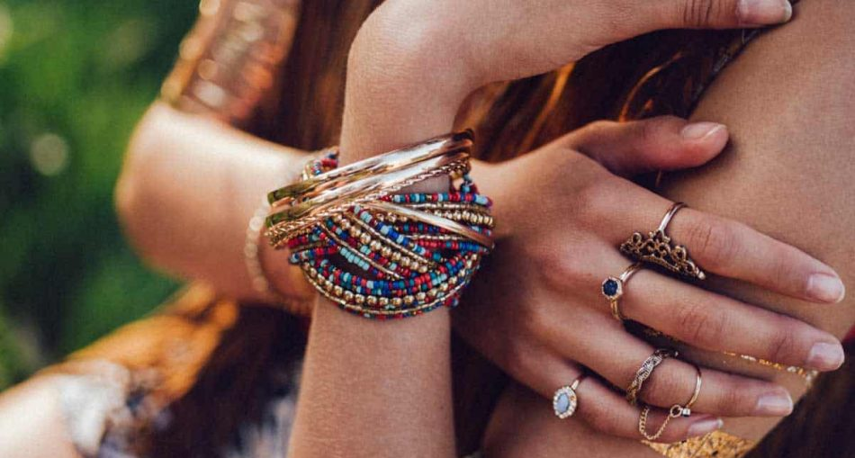 Bracelets Styling Guide To Look Stunning
